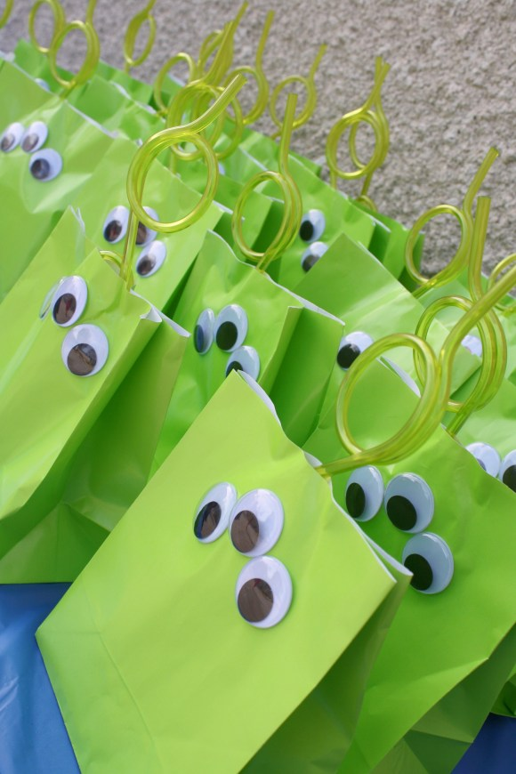 Green Alien Gift Bags