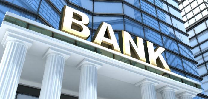 ADICAE exige poner orden a los abusos en materia de comisiones bancarias