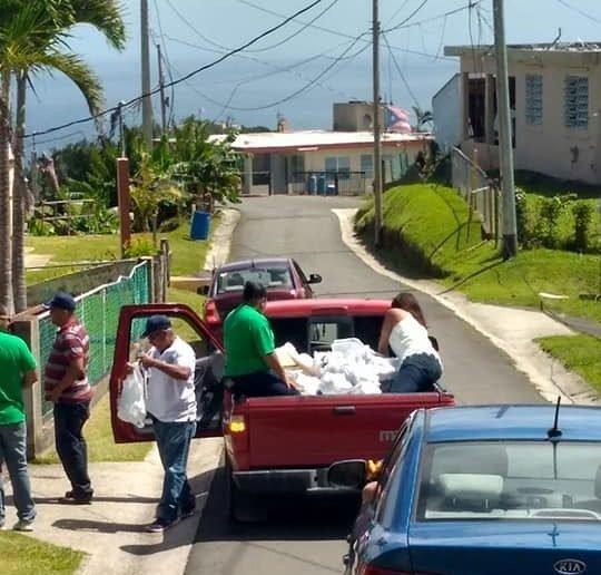 Suministros a comunidad de Yabucoa @ 2018