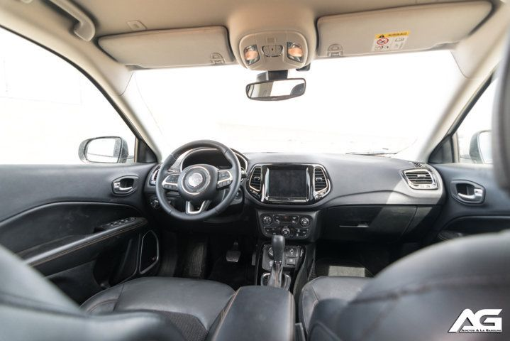 Interior Jeep Compass Limited