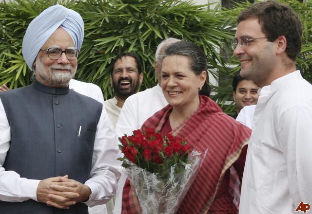 L- R, Dr Manmohan Singh, Congress party president Sonia Gandhi and Rahul Gandhi