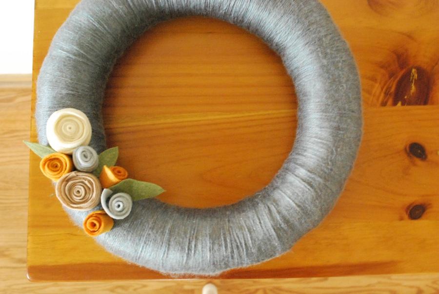 Yarn Wrapped Wreath  (2/2)