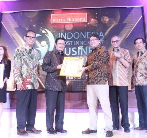 Adira Finance Meraih Penghargaan Indonesia Most Innovative Business 2017
