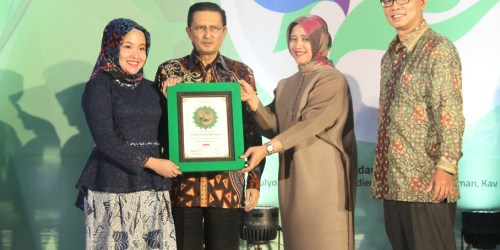 Adira Finance Raih Indonesia Sharia Finance Award 2017