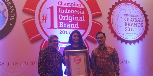 Adira Finance Meraih Indonesia Original Brand Award 2017