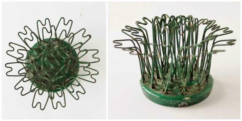 vintage green hairpin flower frog