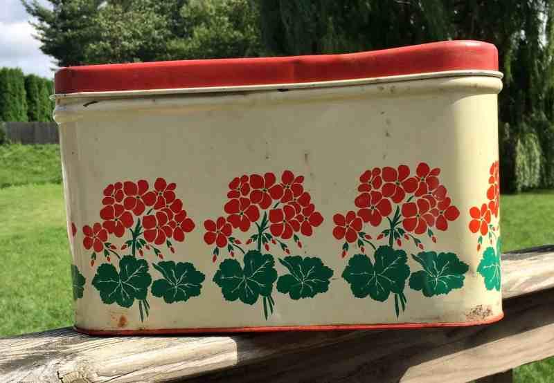 vintage geranium bread box