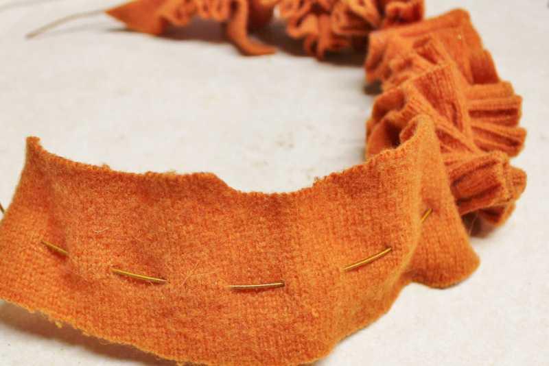 How to make a sweater scrap wreath