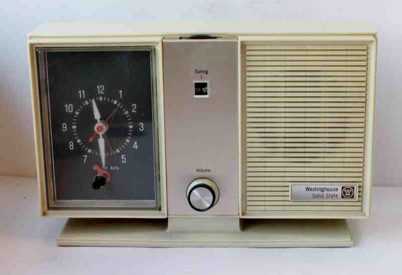 Vintage Westinhouse clock radio