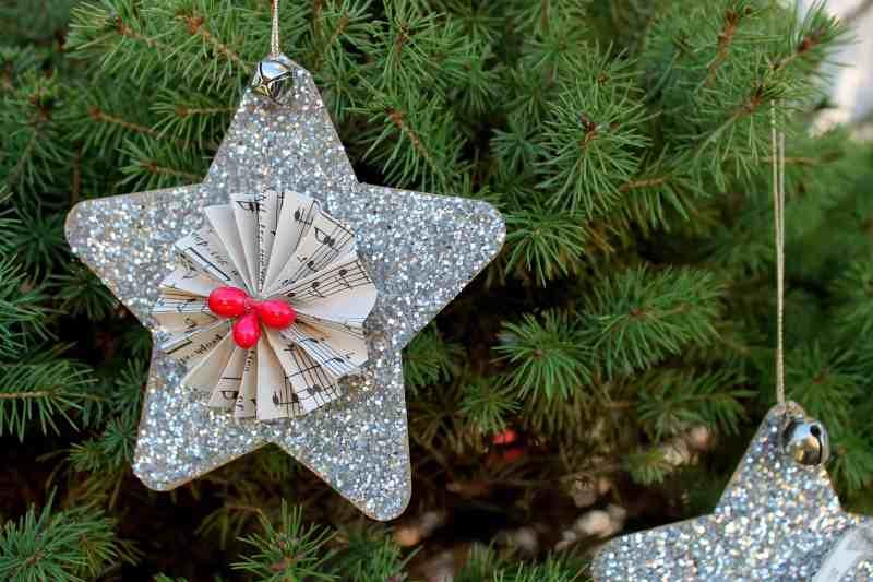 Glitter star on tree