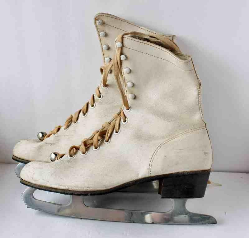 Vintage ladies Skates