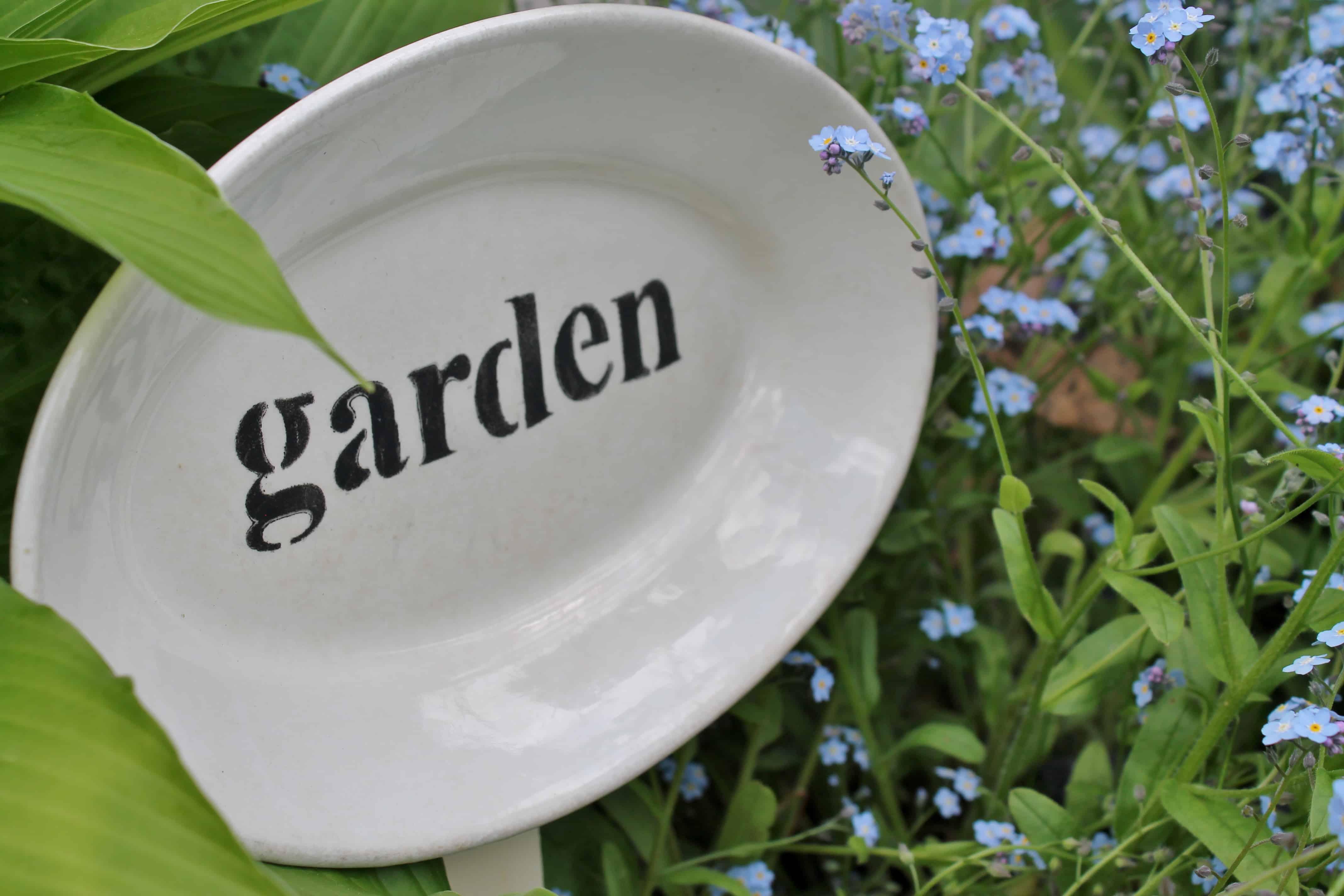 Garden sign on vintage platter (1)