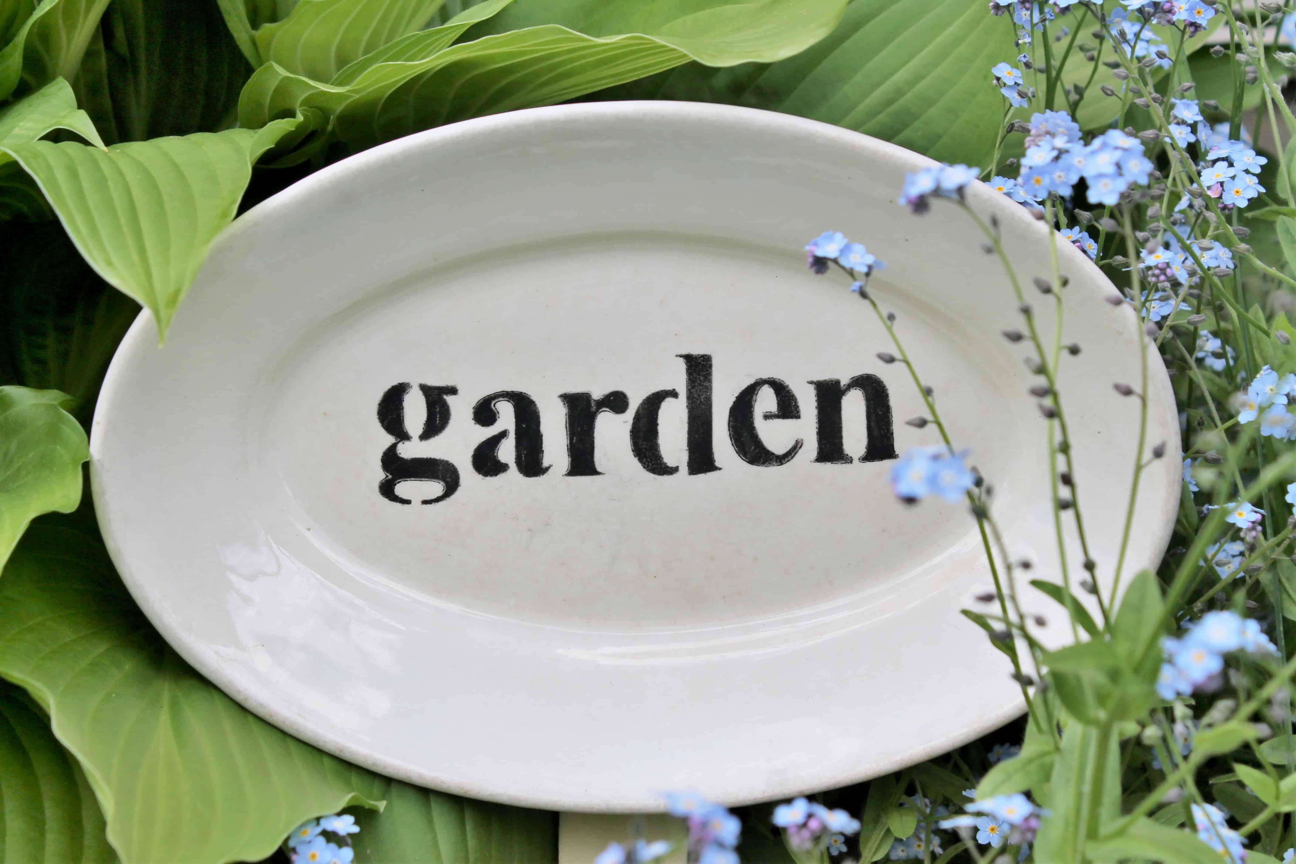 Garden sign on vintage platter (6)