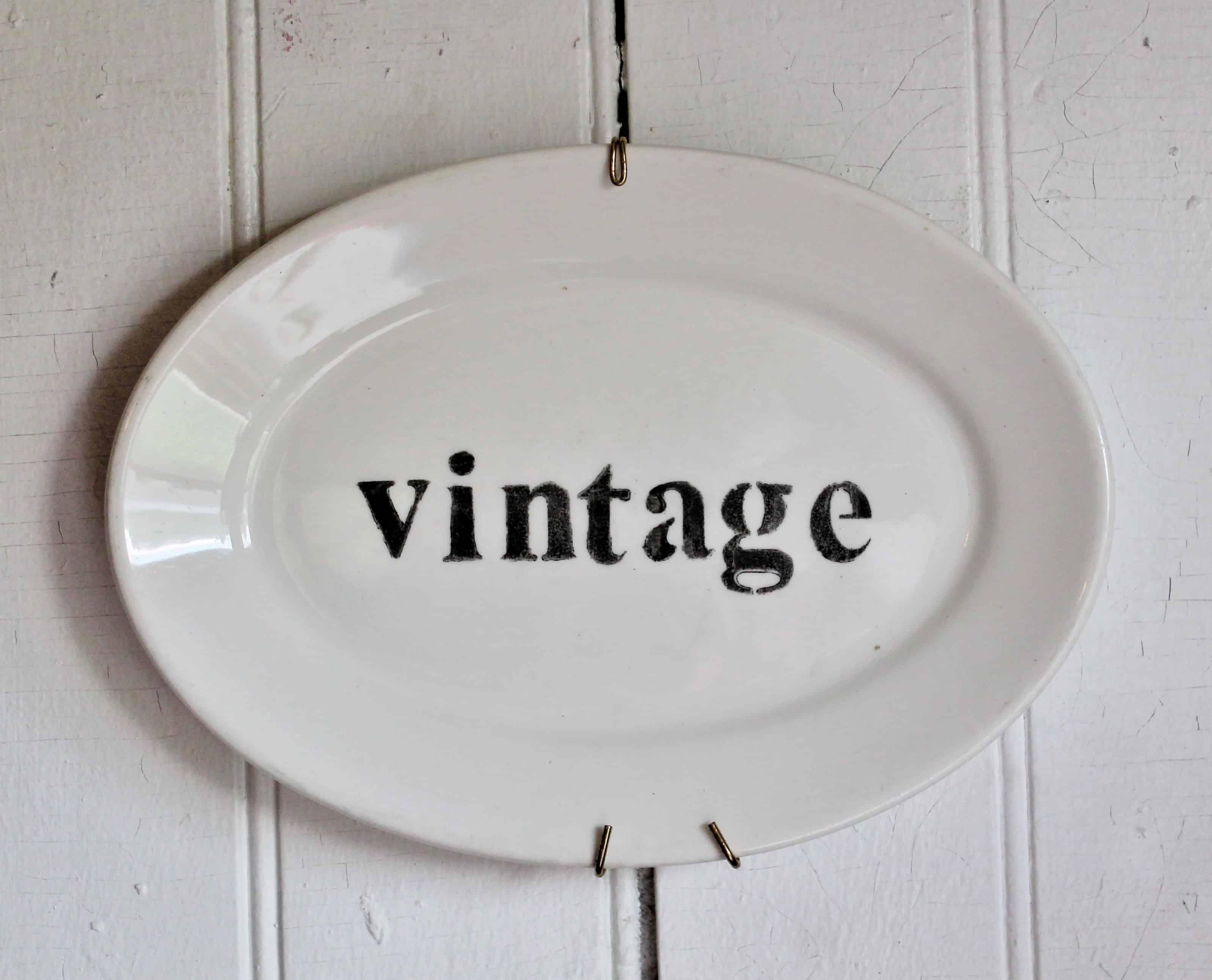 Vintage sign on vintage platter (2)