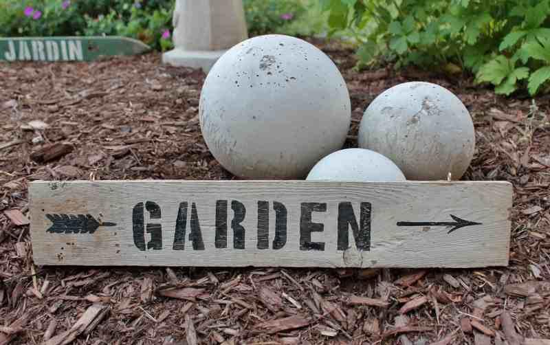 Garden sign with orbs