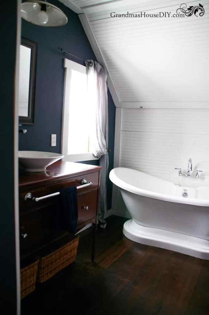 master-bathroom-renovation-double-slipper-bathtub Diana's #39