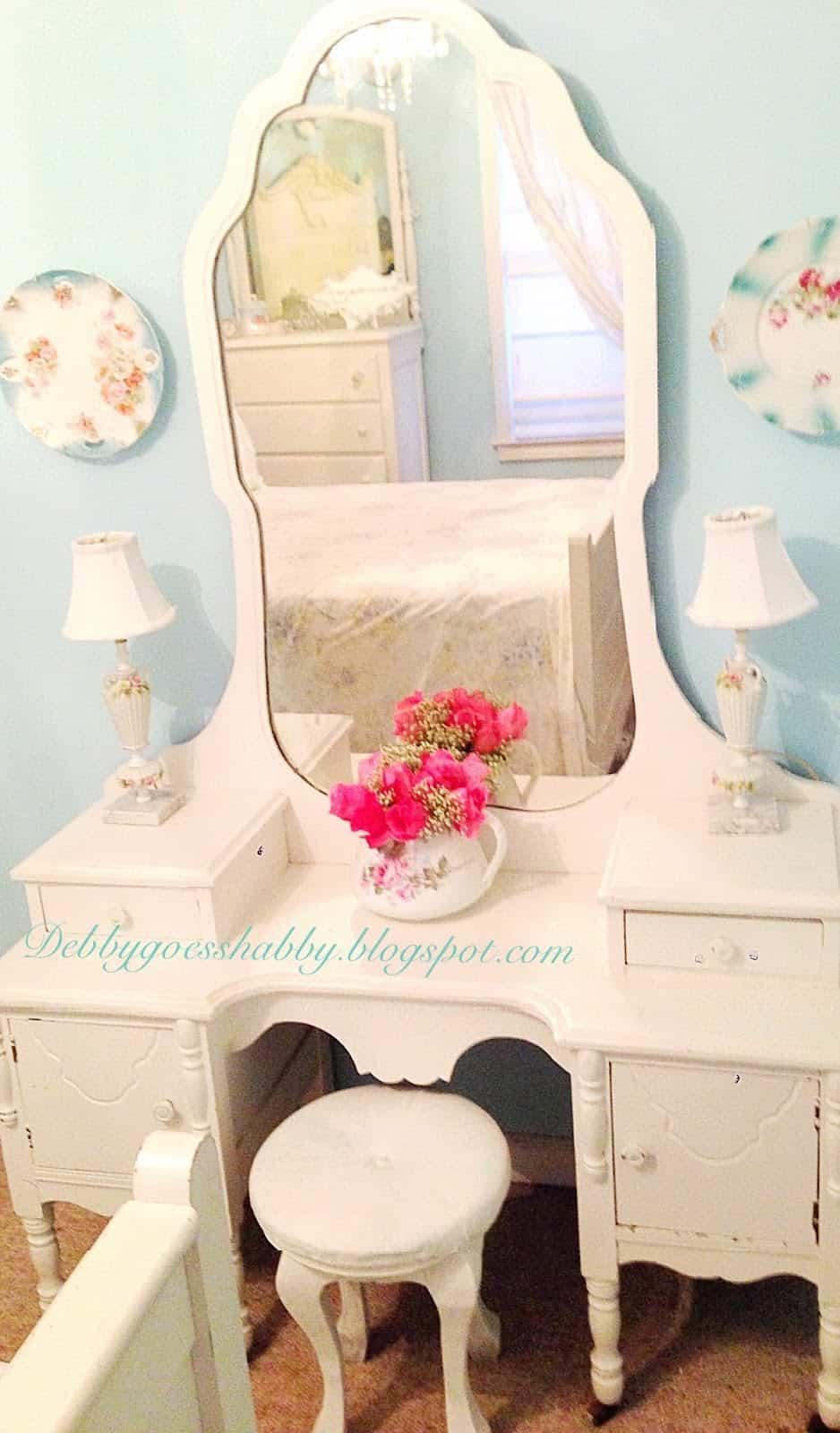 Cinderella Room at Debby Goes Shabby Cecilia 42