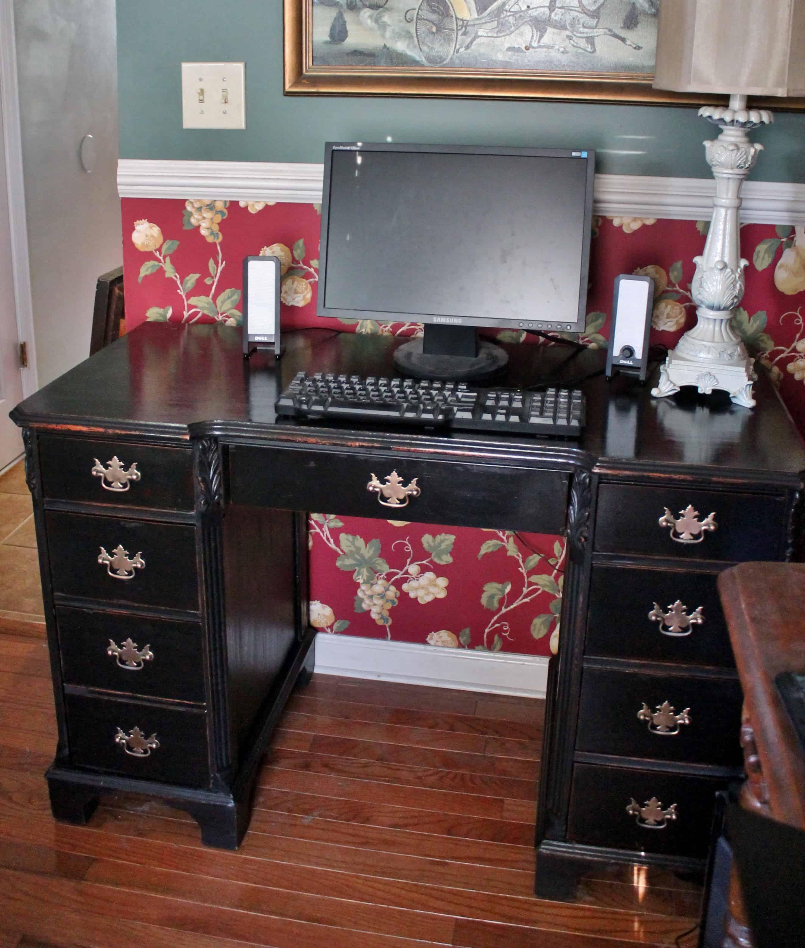 Made-over vintage keyhole desk in office