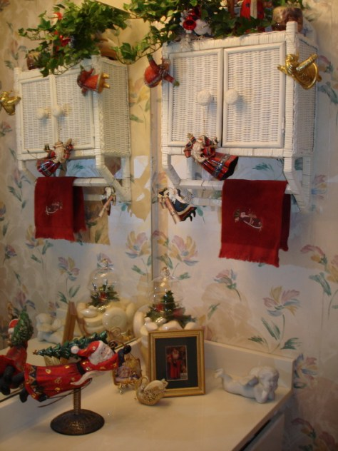 Bathroom Christmas Decorations