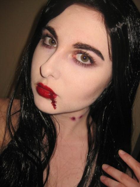 Simple Vampire Halloween Makeup