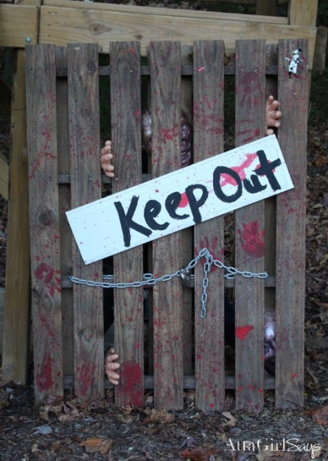 Zombies Keep Out Walking Dead Halloween Decoration