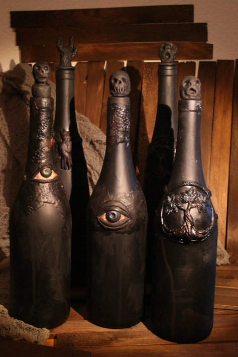 Ghoulish Halloween Bottle with Eye