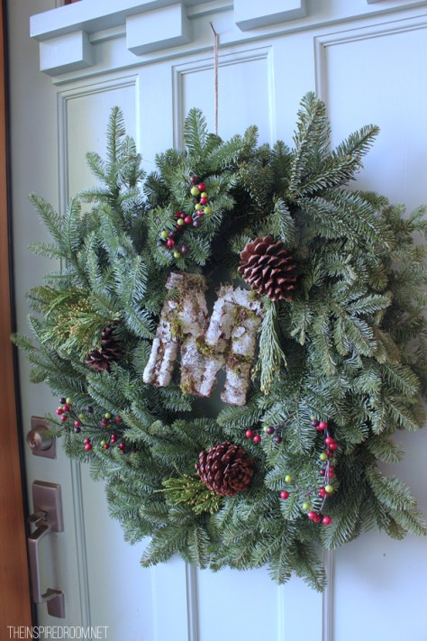 Rustic Wreath With Pinecone