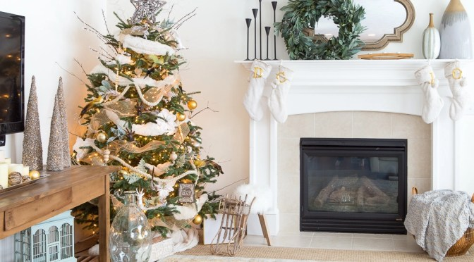 30 great ideas for fireplace christmas decorations solutioingenieria Choice Image
