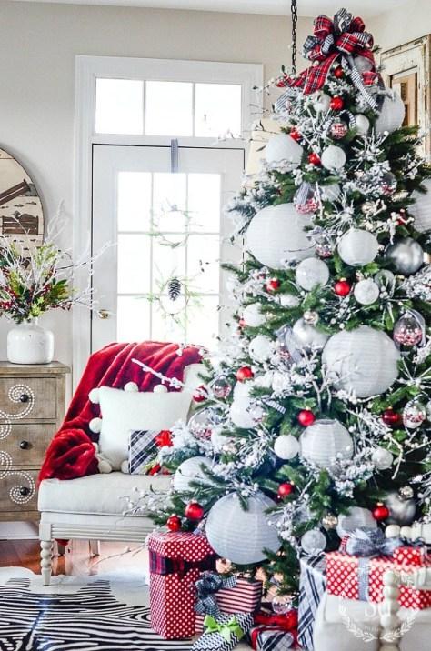 Christmas Tree With White Paper Lanterns