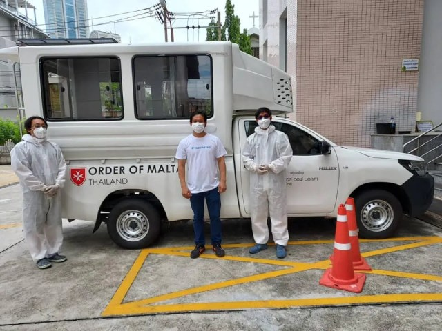 The Holy Redeemer Church in Bangkok, together with the Order of Malta, have been providing transport service to COVID-19 patients. / Courtesy of the Holy Redeemer Church in Bangkok