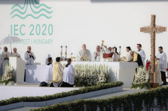 The opening Mass of the 52nd International Eucharistic Congress in Heroes' Square, Budapest, Hungary, Sept. 5, 2021. Daniel Ibáñez/CNA.