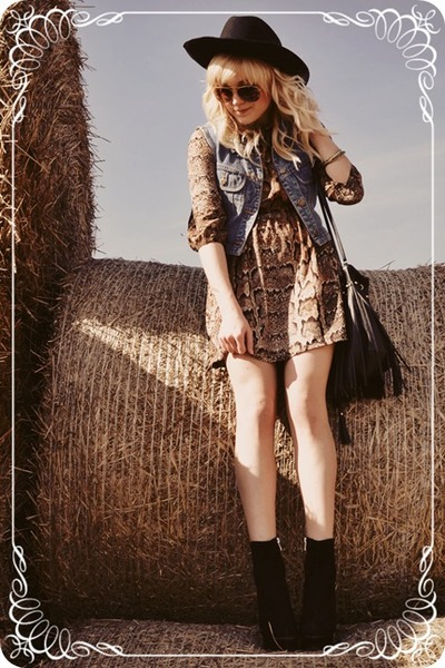 black-boots-brown-dress-periwinkle-vest_400