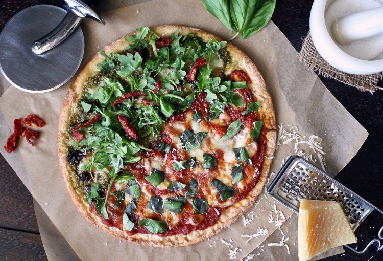 pizza s parmezánem