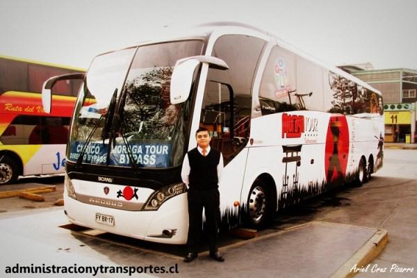 Entrevista Auxiliar de bus Moraga Tour – Jacobo Salinas