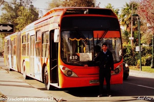 Rodrigo Castillo: el conductor joven feliz del Transantiago (entrevista)