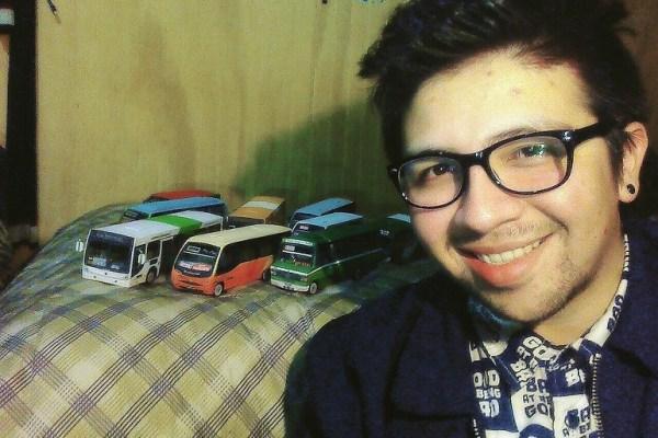 Eduardo Rodríguez – Maquetas de buses en Chile