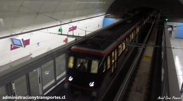 Primeros viajes en la futurista Línea 6 de Santiago