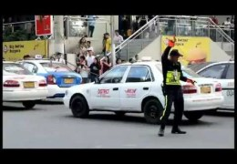 Traffic Cop Dancing A MJ's Song
