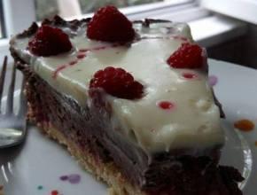 tort fără coacere cu zmerură