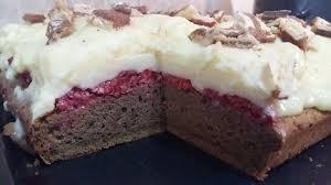 prăjitura cu zmeură şi cremă de vanilie