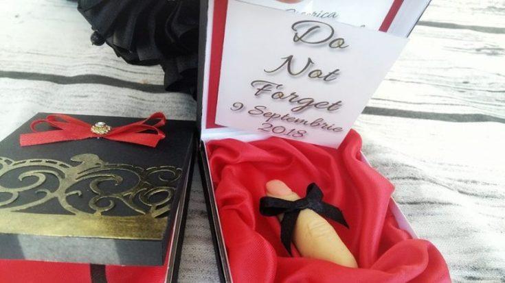 nunta in stil gotic invitatie tip cutie