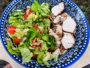 greutatea unei farfurii cu salată
