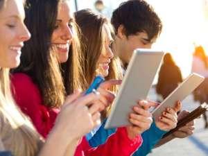 jovenes-tablets