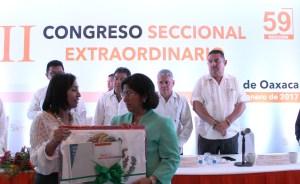 Victoria Cruz Villar 59
