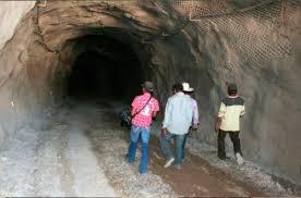 AMLO descarta revocar concesiones mineras y pide a firmas canadienses que 'no contaminen' (09:30 h)