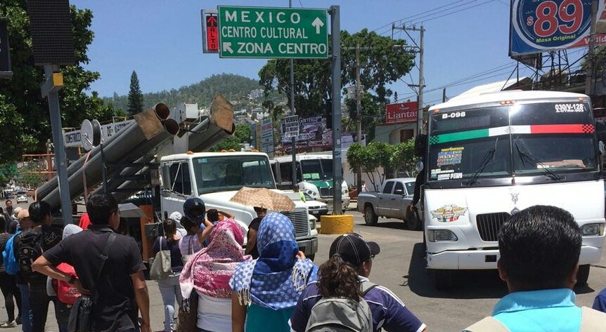 CNTE exige pagos con bloqueos