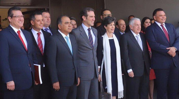 Gobernadores, entre ellos Murat y el INE firman Declaración para la Democracia y Legalidad 2018 (18:15 h)