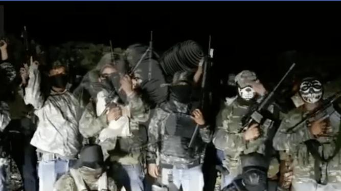 (Video) Grupo armado amenaza de muerte a Alcalde oaxaqueño