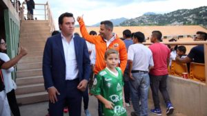 murat y su hijo estadio