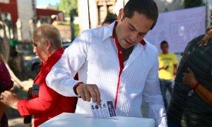 raul votando